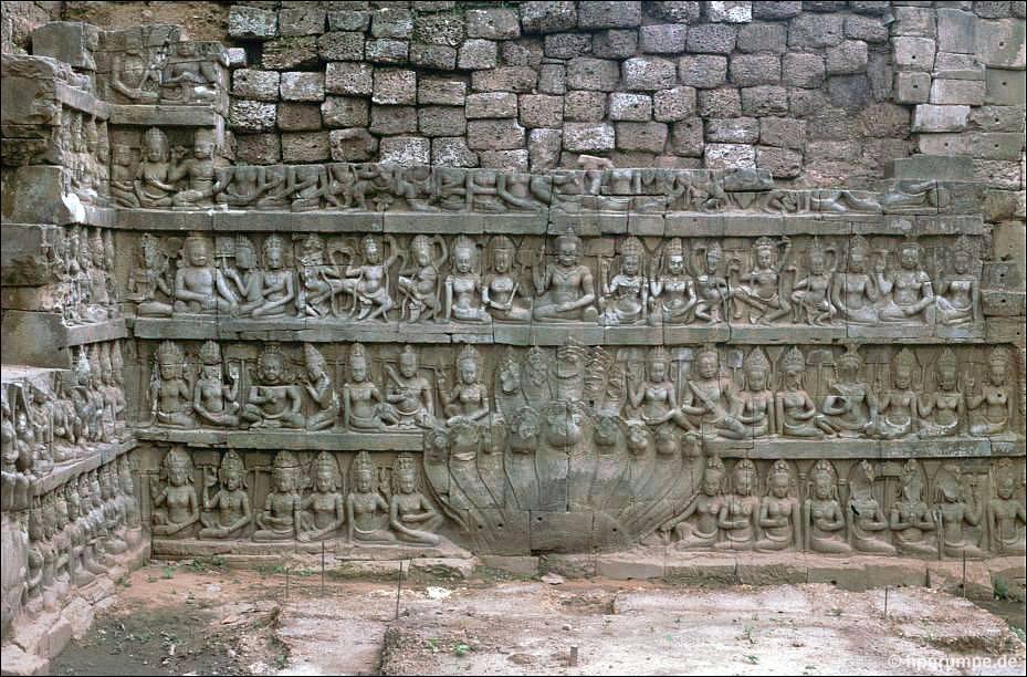 ... Angkor Thom: Terrasse Des Lepra Königs ...