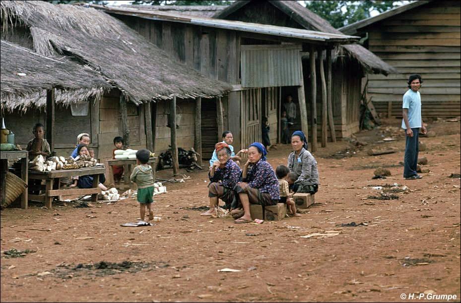 Ban Phonsavan Laos  city photos gallery : Ebene der Tonkrüge Hmong Dorf Ban Tha Choke Chock : Markt