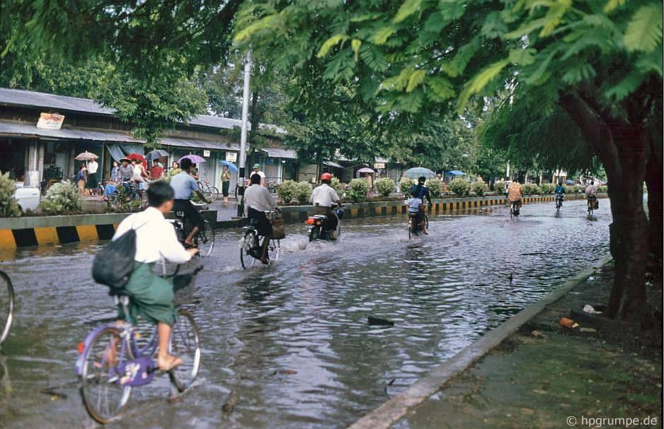 Myitkyina Myanmar  City new picture : Fortbewegungsmittel Fahrradrikscha: Leider war der Beiwagen so eng ...